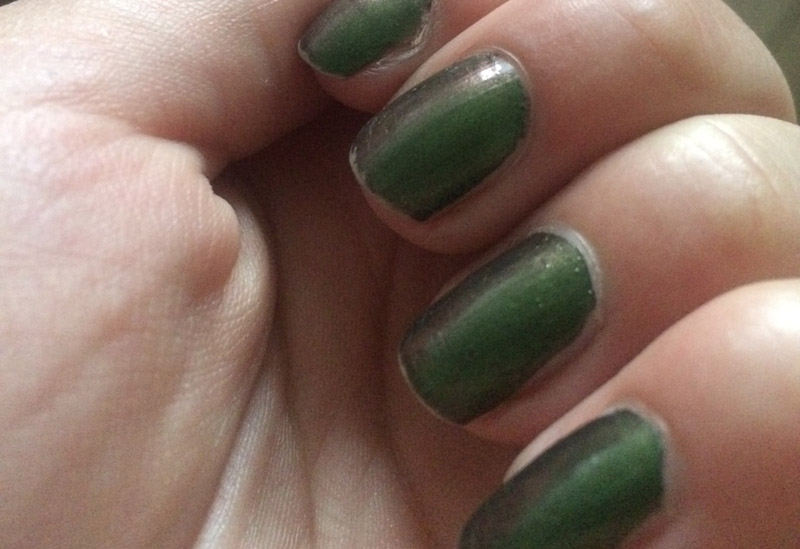 OPI-Green-On-The-Runway-5-days