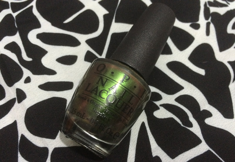 OPI-Green-On-The-Runway-Review