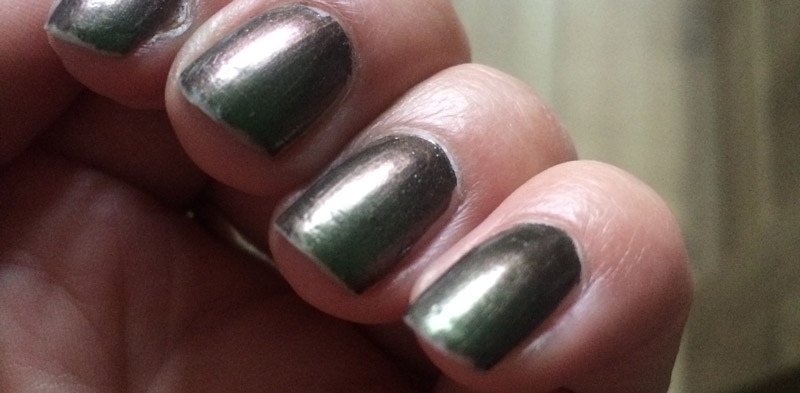 OPI-Green-On-The-Runway-swatch