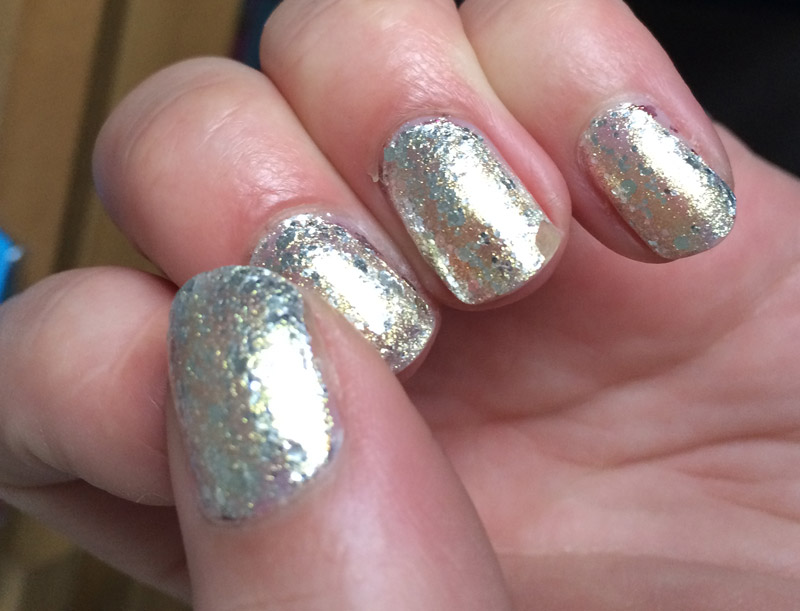 loreal-platinum-chic-swatches-review