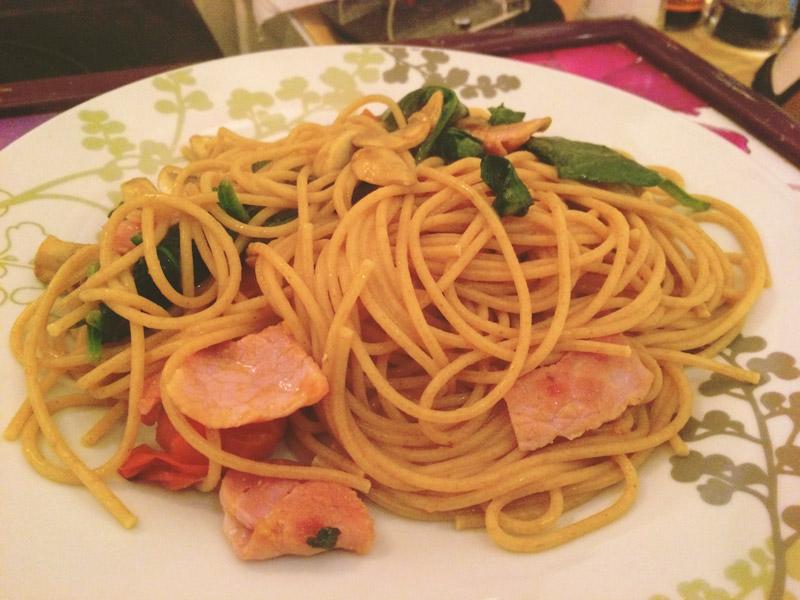 Under 250 calories #1: Spinach & Bacon Pasta