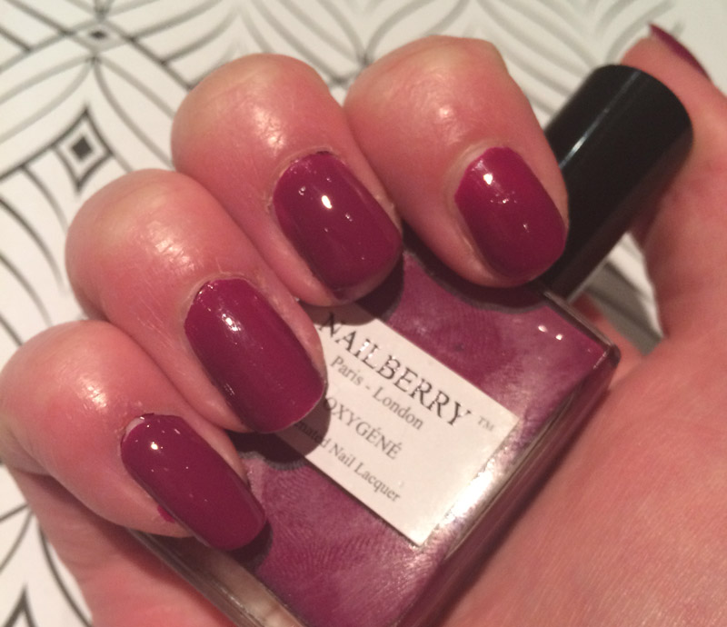 nailberry-raspberry-swatch-unnatural-light