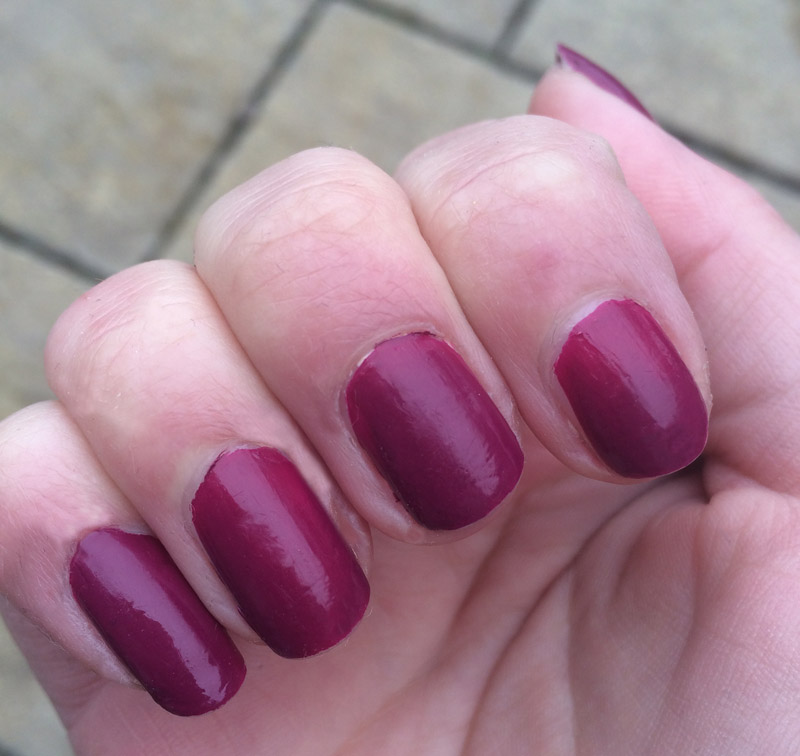 nailberry-swatch-natural-light