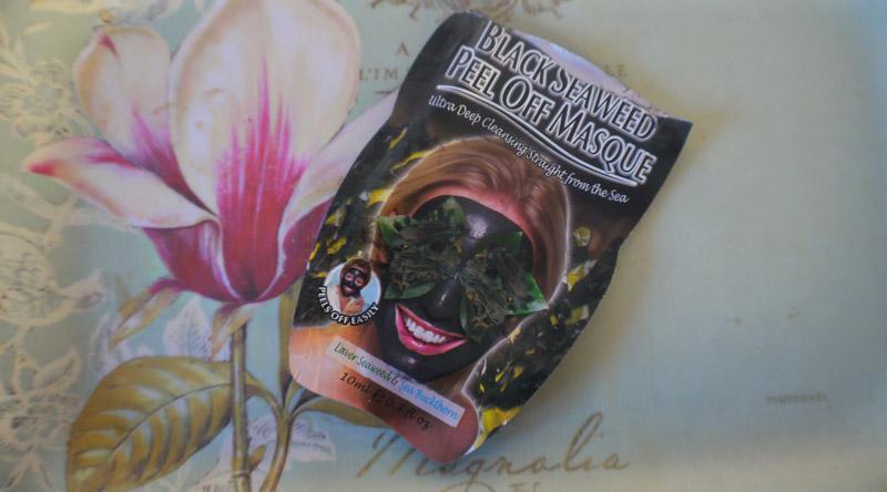 montagne-jeunesse-black-seaweed-mask-review