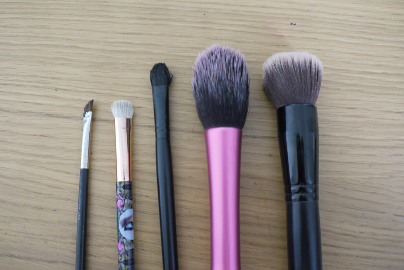 makeup-revolution-brush-cleaner-review-3