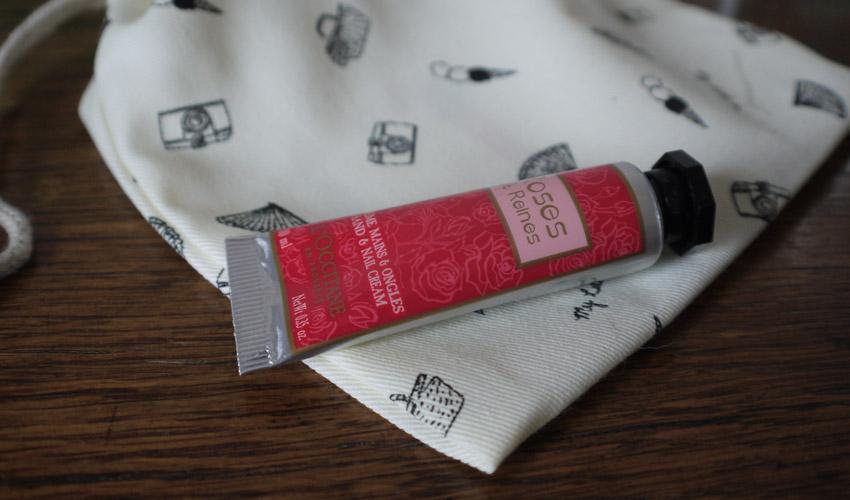 my-little-provence-box-loccitane-rose-et-reines-hand-cream