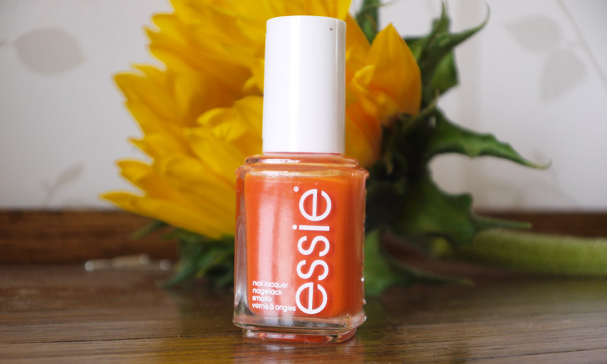essie-roarrrrange-nail-polish-review-swatch