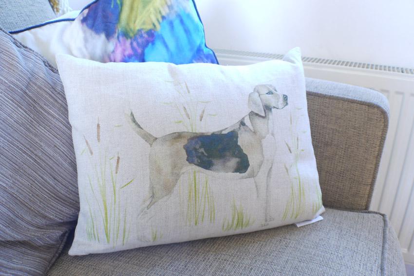 haul-cushion-beagle