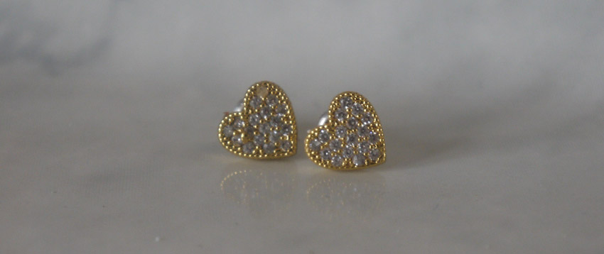 london-haul-accessorize-heart-stud-earrings
