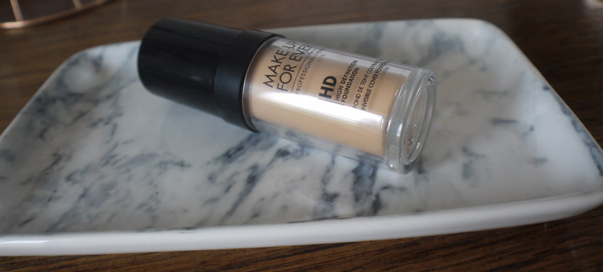 london-haul-make-up-for-ever-hd-foundation
