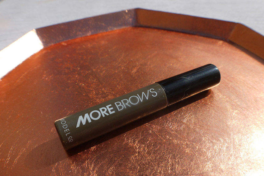 modelco-more-brows-review-brunette-dark