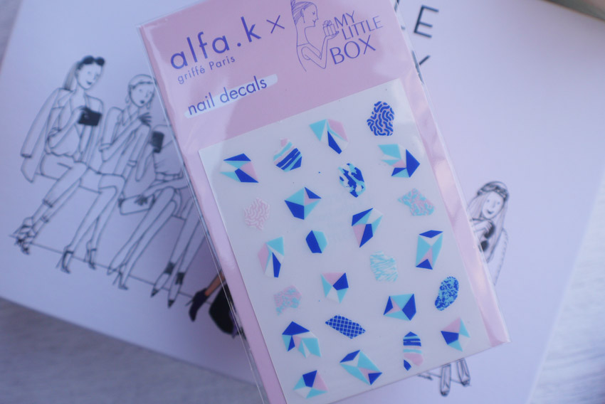 my-little-fashion-box-september-2015-nail-decals
