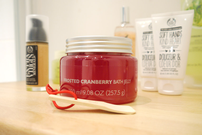 the-body-shop-bath-jelly-frosted-cranberry