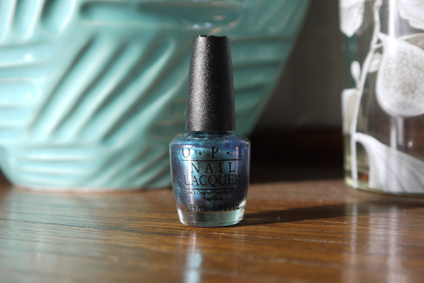 Opi-making-waves-nail-polish