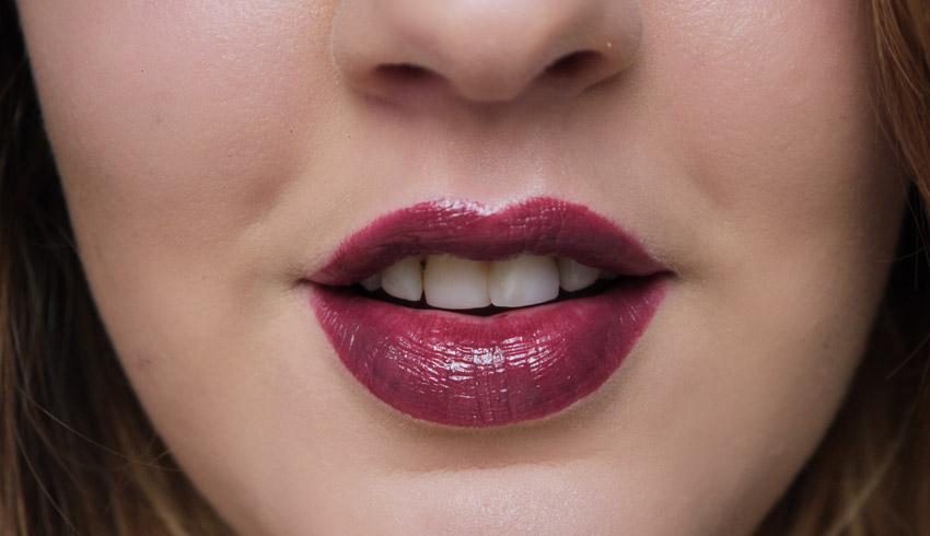 mac-hang-up-lipstick-swatch