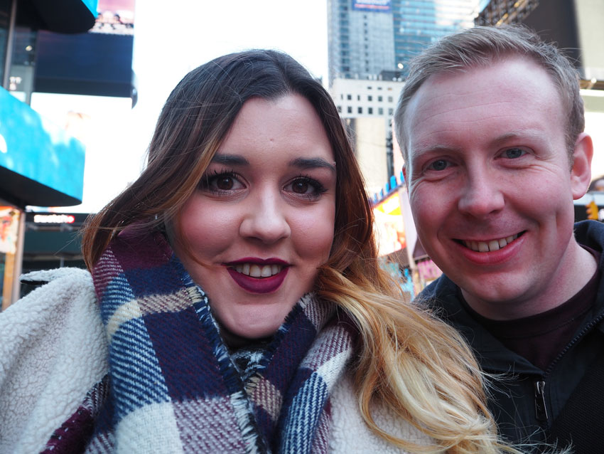 new-york-couple-proposal-times-square