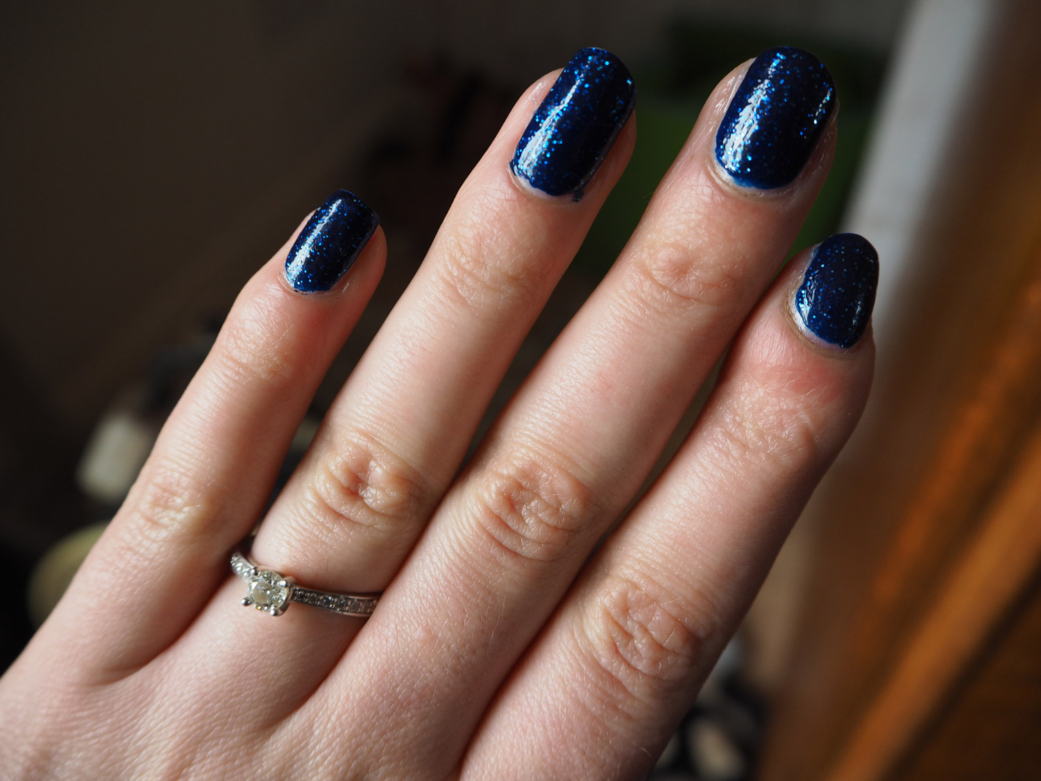 essie-starry-starry-night-retro-revival-swatch