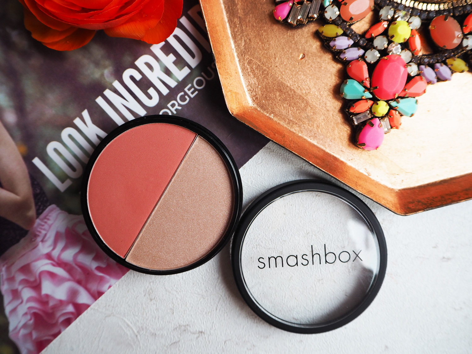 look-incredible-april-2016-smashbox-blush-soft-light-duo