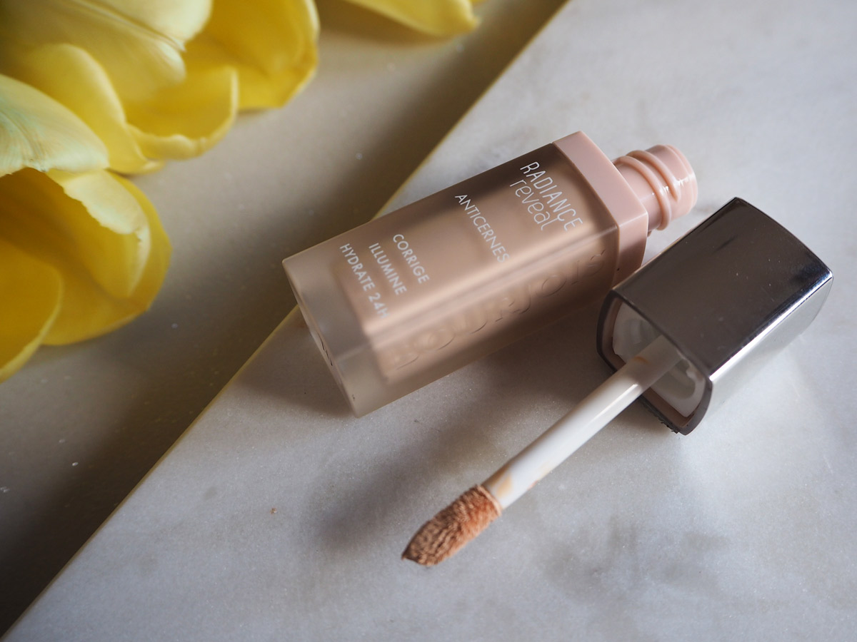radiance-reveal-concealer-bourjois-review-wand