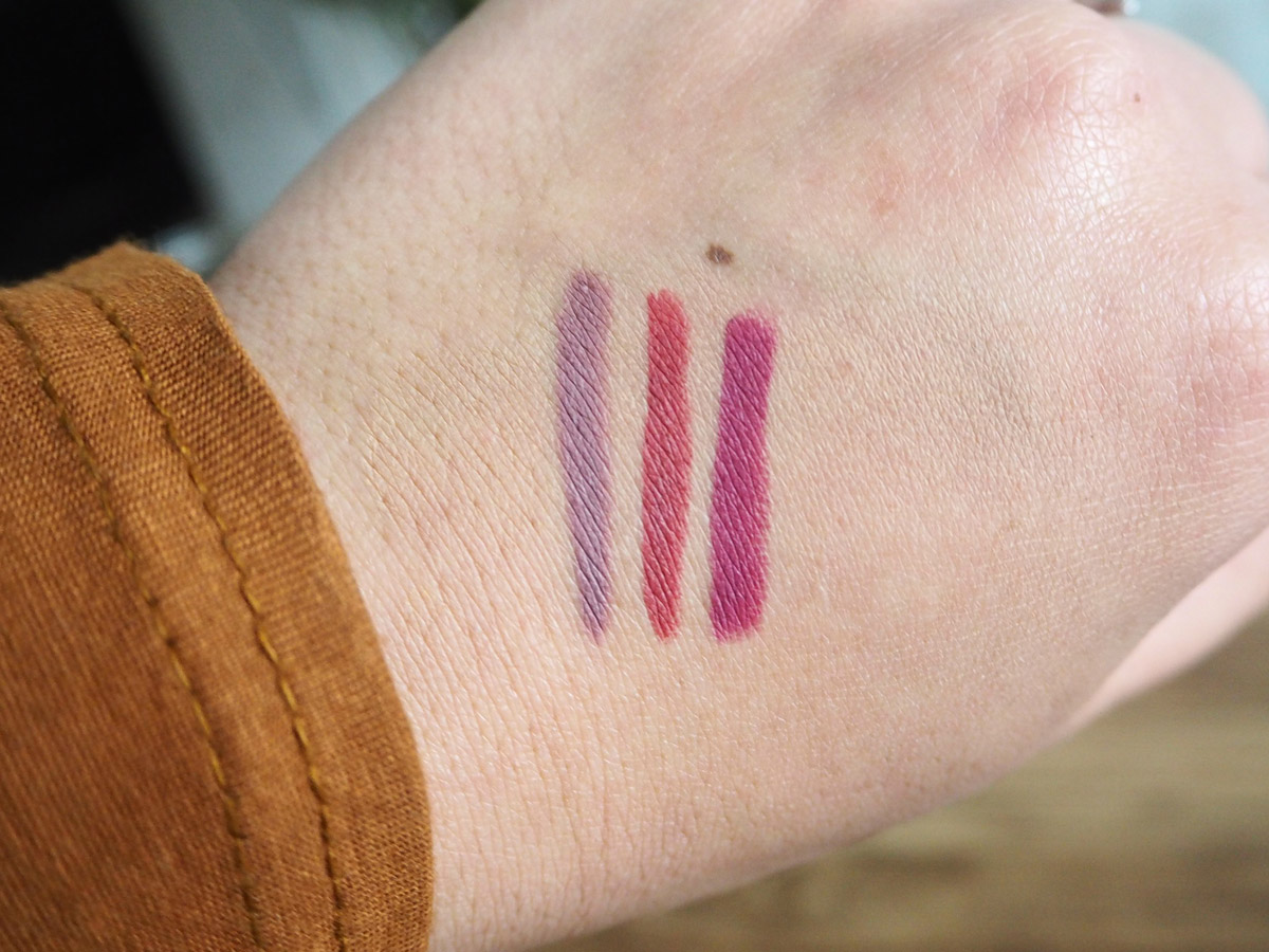 essence-lip-liner-swatches
