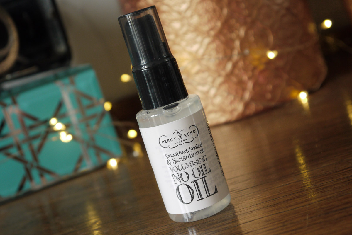 m&s-summer-beauty-box-percy-and-reed-no-oil-oil