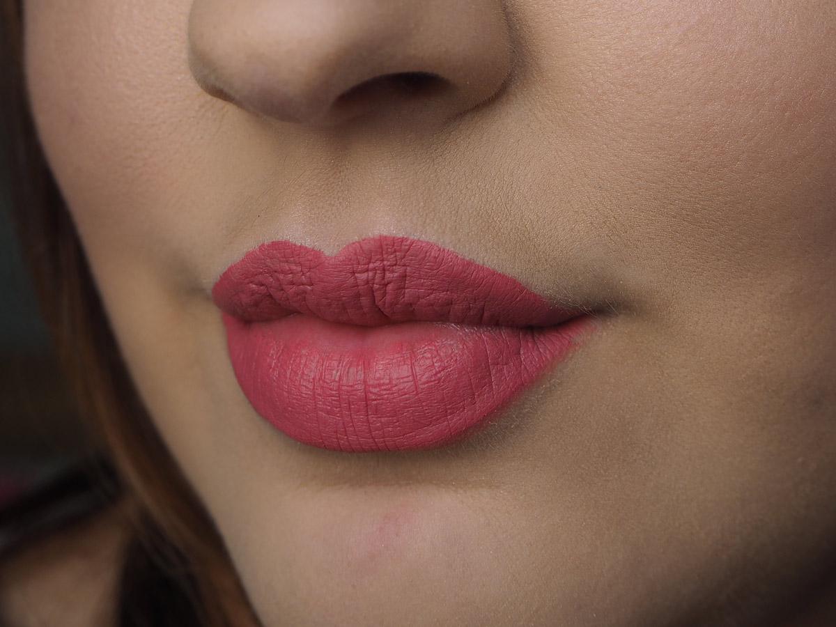 milani-amore-matte-liquid-lipstick-precious-swatch