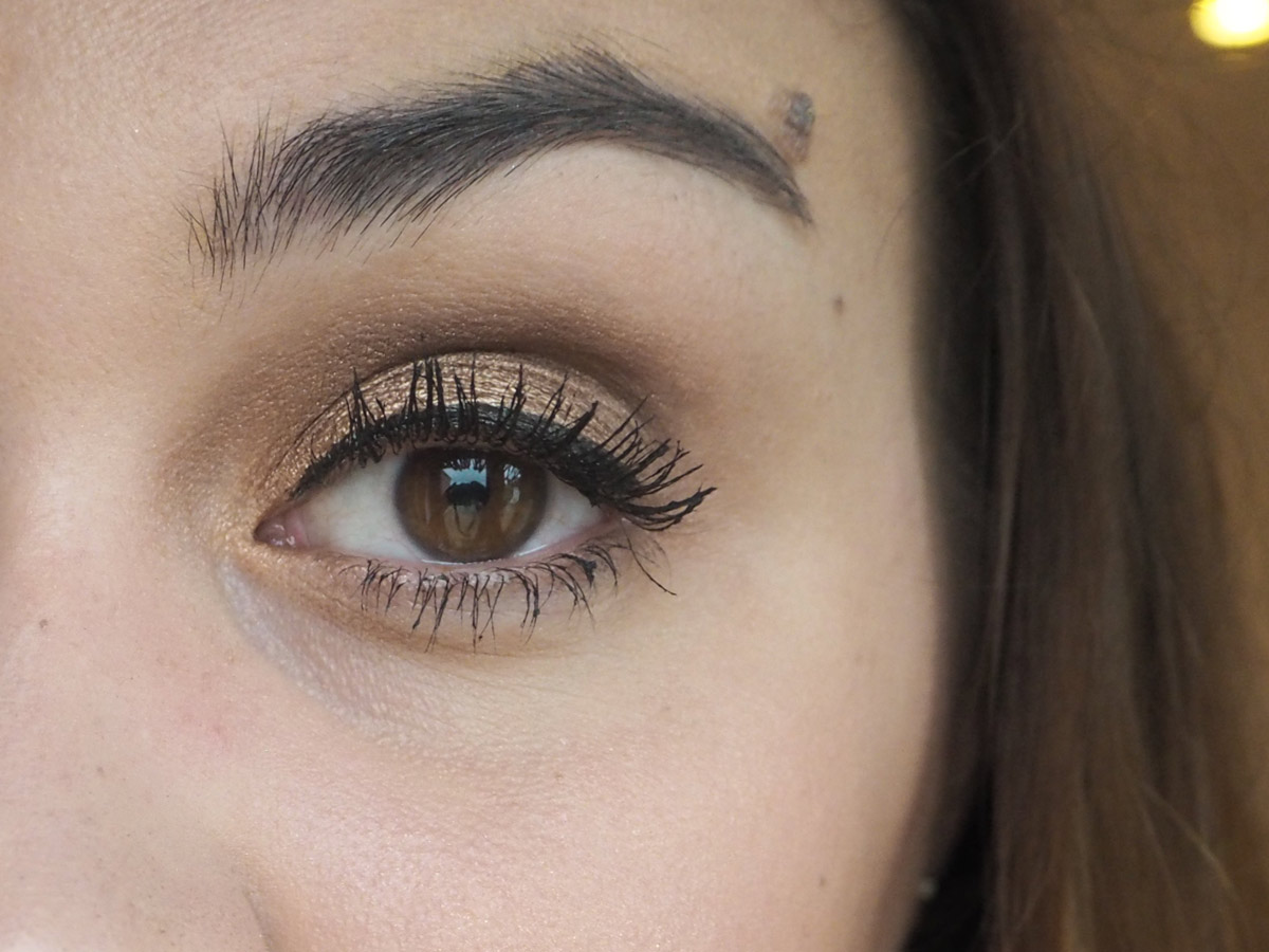 dimensions-de-chanel-mascara-applied