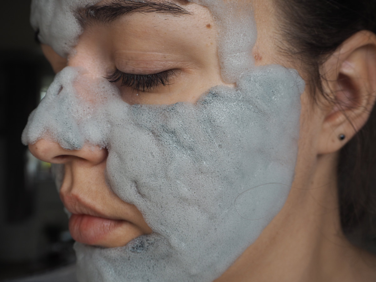 elizavecca-milky-piggy-carbonated-face-mask-5-minutes
