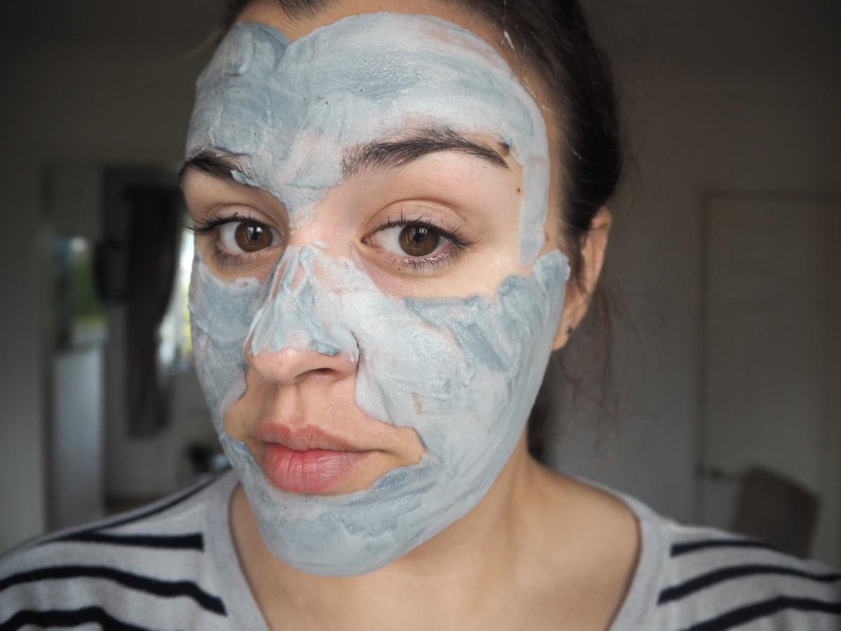 elizavecca-milky-piggy-carbonated-face-mask-fresh-on