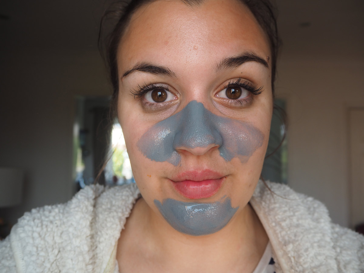 elizavecca-skincare-hella-pore-clean-up-face-mask