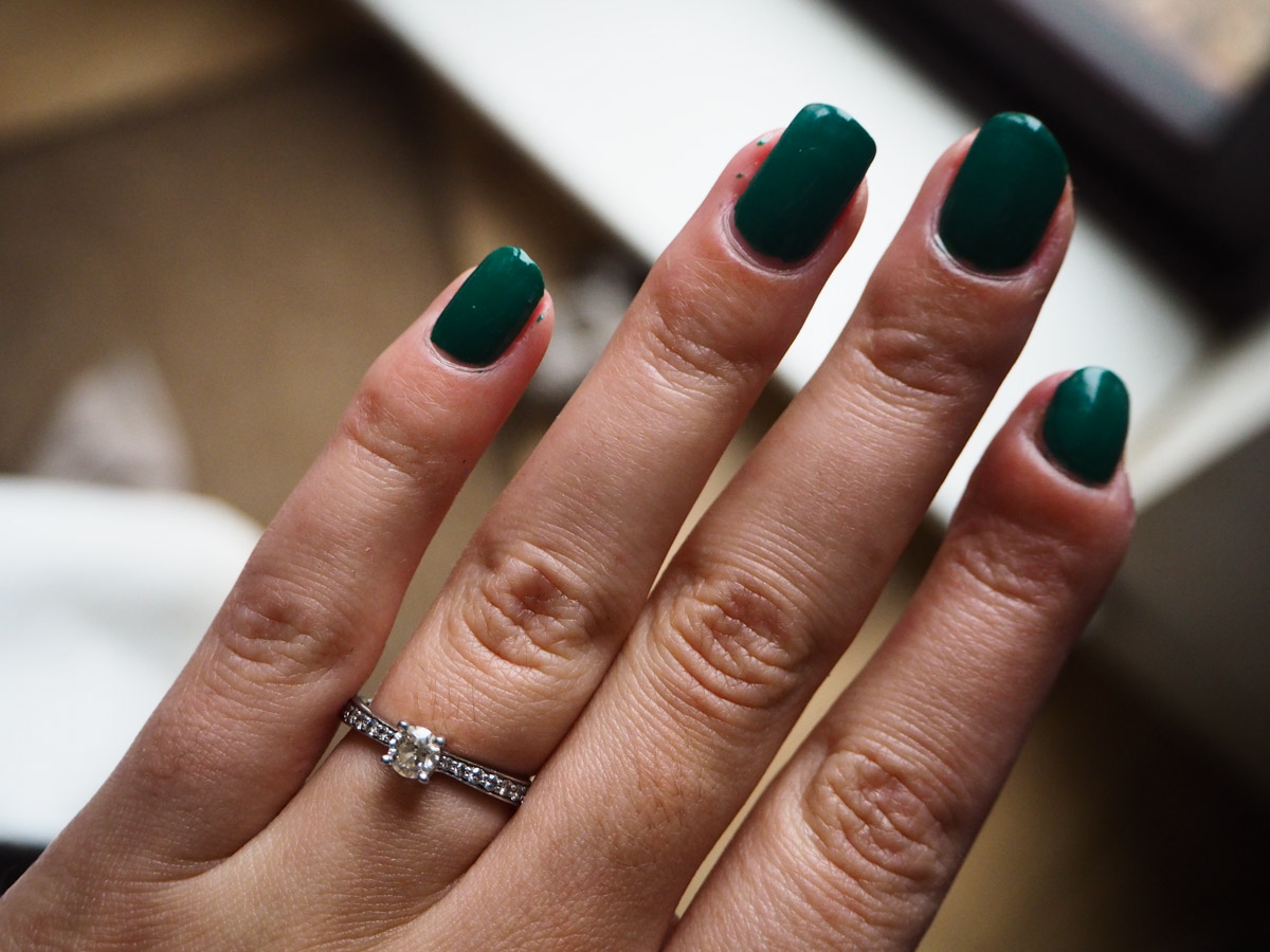 beauty-tbt-opi-jade-is-the-new-black-review-swatch-3