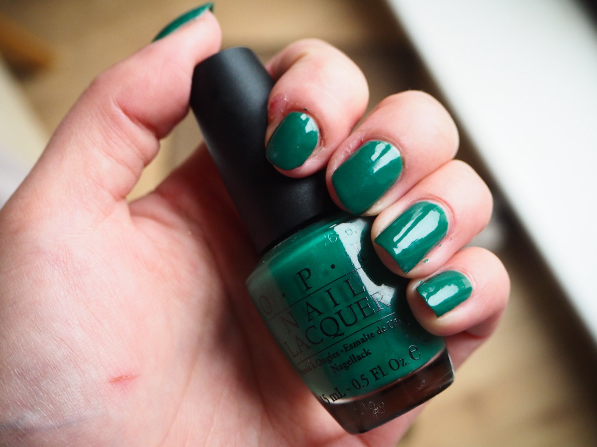 beauty-tbt-opi-jade-is-the-new-black-review-swatch-4