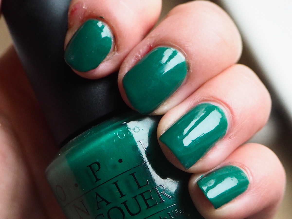 beauty-tbt-opi-jade-is-the-new-black-review-swatch-5