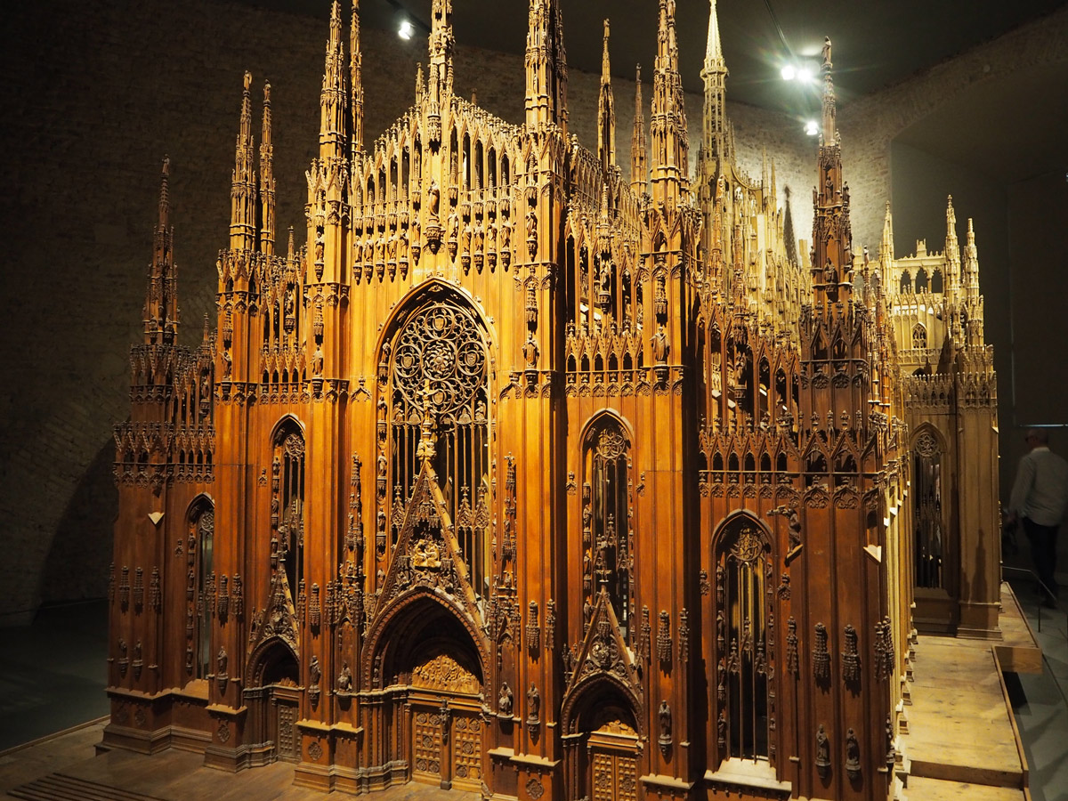duomo-cathedral-milan-made-out-of-wood