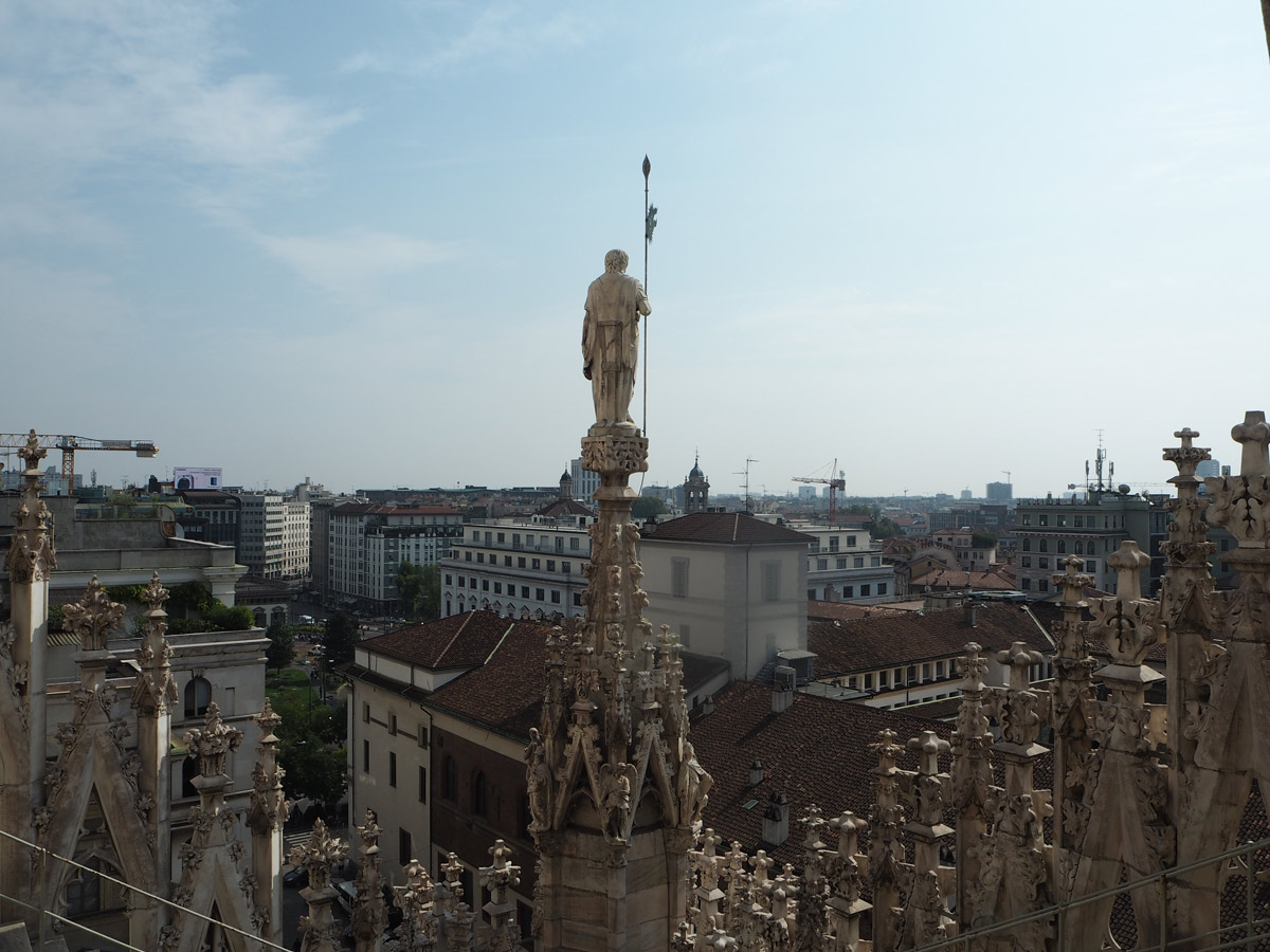 view-from-the-rooftops-milan-cathedral