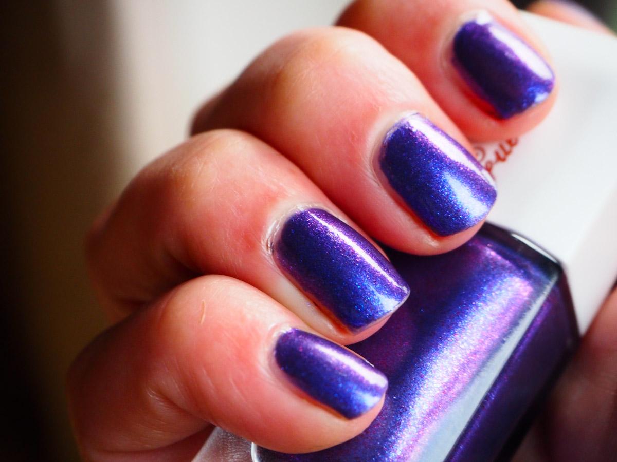 guerlain-nuit-mervellieuse-nail-polish-review-swatch-10