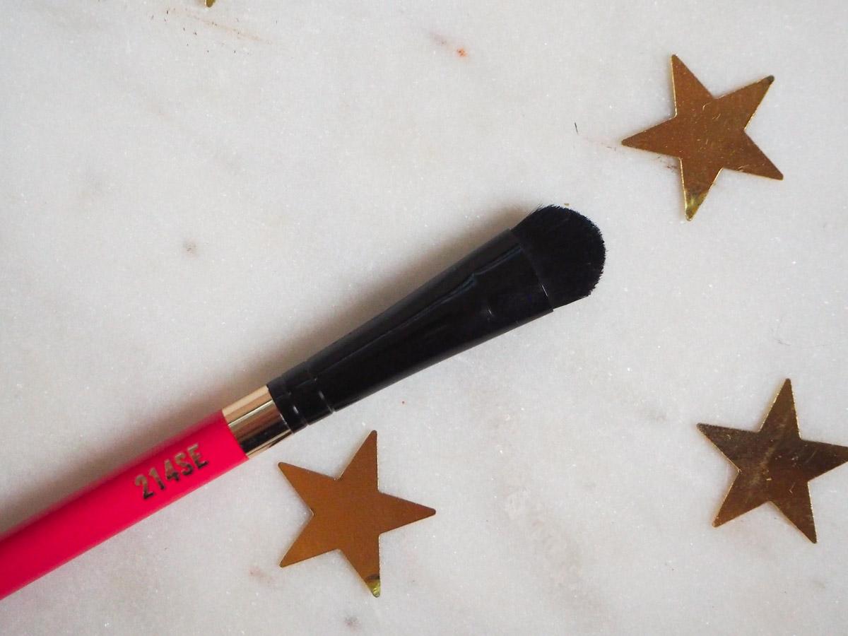 mac-nutcracker-sweet-warm-shadow-palette-brush-214