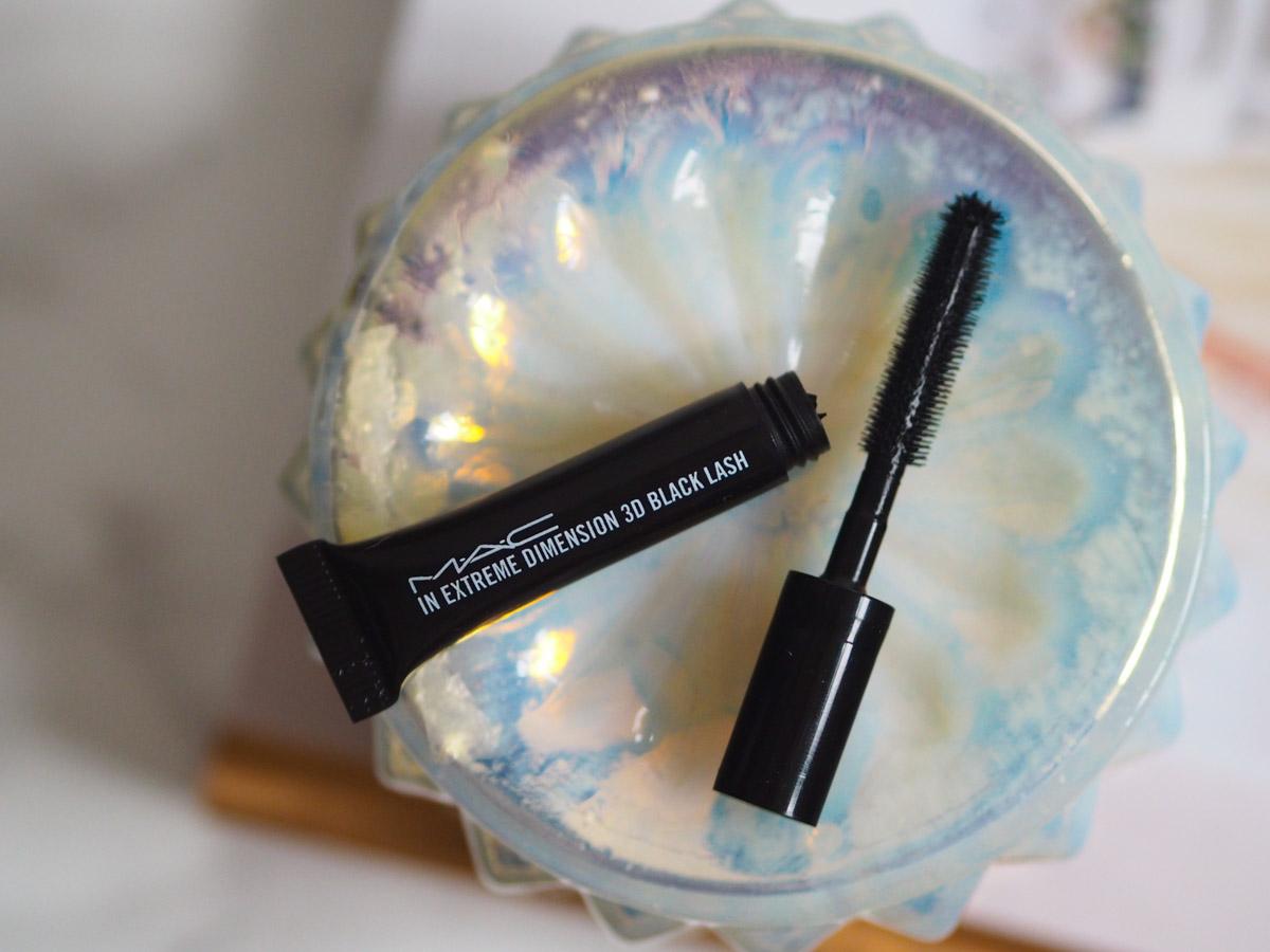 mac-in-extreme-dimension-3d-black-lash-mascara-review-2